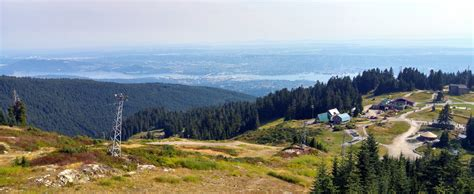 Grouse Mountain breathtaking scenic views : Vancouver