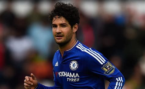Transfer news: Chelsea flop Alexandre Pato agrees move to