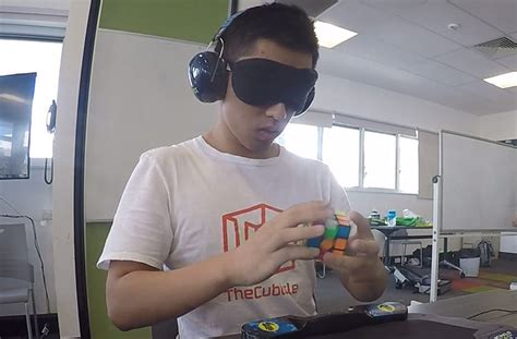 Aussie breaks record for fastest time to solve a Rubik's