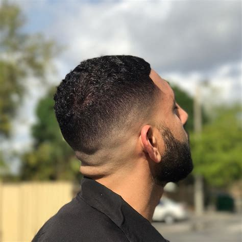 17+ Cool Skin Fade Haircuts For Men To Get In 2020
